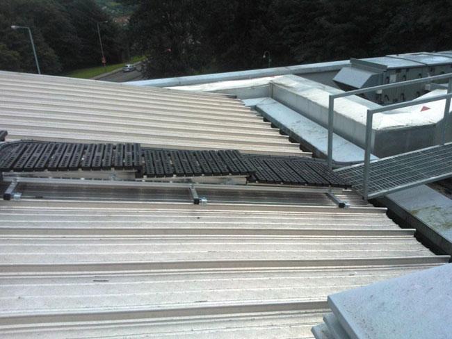 Equinox Installs Rooftop Walkways at Dumbarton Sheriff Court