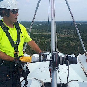 Equinox Restores Wind Turbine Nacelle Hubs in Texas, USA